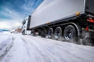 نکات ایمنی رانندگی کامیون در زمستان